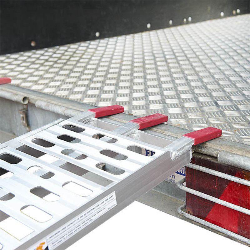 Extra verstevigde aluminium oprijplaat opklapbaar - 225 cm - 2 stuks 7