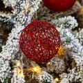 Speciale kerstbal draaddeco 9 cm rood