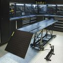 Zwarte motorheftafel 450 kg hoogste stand