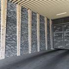 Muur van Stone Walling Grijs Zwart Excluton