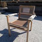 Vergrijsde hardhouten stoel koopjeshoek