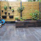 Schutting betonnen onderplaat en palen