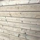 Voorbeeld van vergrijzing thermisch gemodificeerd vurenhout