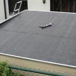 EPDM Dachfolie oder Bitumenschindeln - Welche Dacheindeckung sollten Sie für ein Flachdach nutzen?