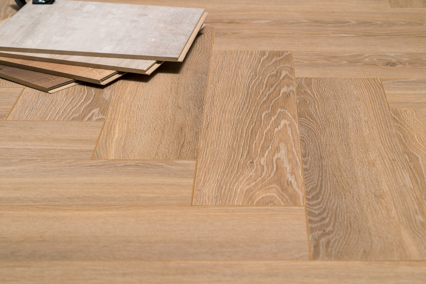 Visgraat Laminaat Leggen : Floer visgraat laminaat natuur eiken vloer patroon eik bruin