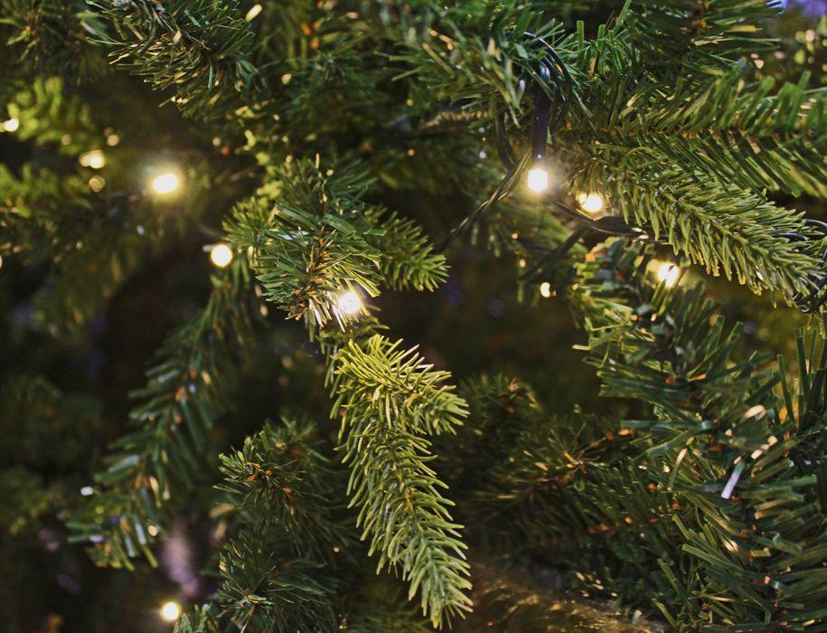 Kunstkerstboom 3 meter met LED verlichting brandveilig 300 cm