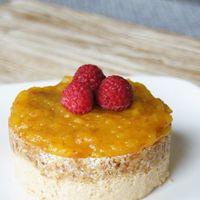 Raw vegan mango cheesecake