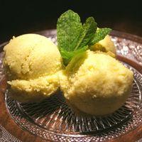 Suikervrij mango-avocado ijs