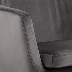 nora-fauteuil-houten-poten-grijs-velours-stof-5