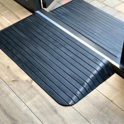 Zwarte rubberen drempelhulp 100 mm hoog van Datona 2 stuks