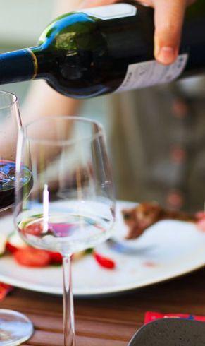 Wijn schenken