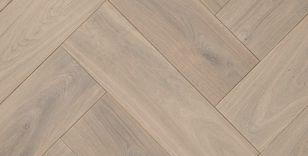 Tuinverbouwing Nieuwe Vloer : Reuze visgraat vloer wit eiken hout gerookt geborsteld cm