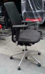 Vitra Oson C Bureaustoel Zwart Gebruikt
