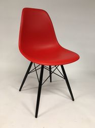 Vitra Eames DSW Plastic Side Chair Rood
