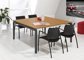 Bureau - vergdertafel gesloten poten antraciet onderstel en havanna kleurig blad 160x160cm