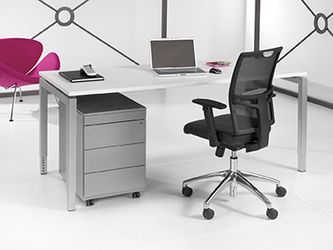 Bureau aluminium onderstel en wit kleurig blad 80x80cm