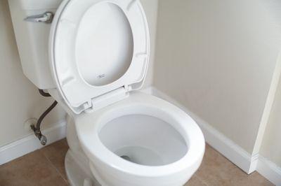 Een wc pot ophangen, dat kun jij helemaal zelf!