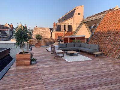 Houten terras bouwen op piketpaaltjes - Zo bouw je een vlonder!