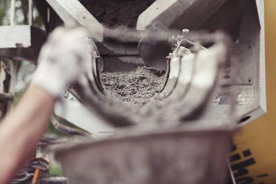 Hoe een betonmolen te gebruiken