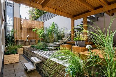 Hoe maak je een sfeervolle overkapping in de tuin?