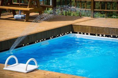 Zwembad helemaal leegpompen? Gebruik een dompelpomp!
