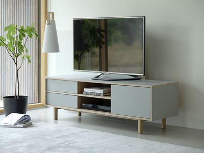 TV meubel Odense in eiken white wash met grijs HPL blad en fronten