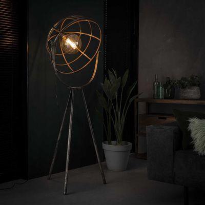 Vloerlamp Freyung met opengewerkte kap