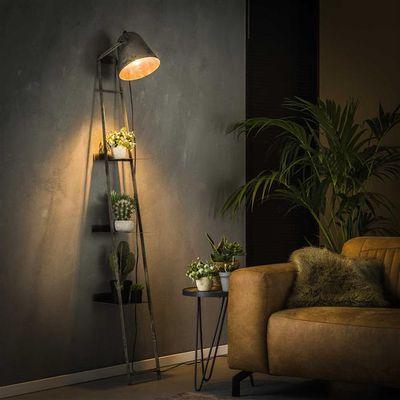 Vloerlamp Fürth met verschillende schappen