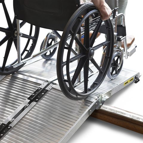 Oprijplaat scootmobiel rolstoel opvouwbaar aluminium rijgoot drempelhelling