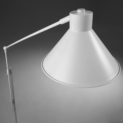 stehlampe odine metall wei la forma kaufen wohn und lifestylewebshop. Black Bedroom Furniture Sets. Home Design Ideas