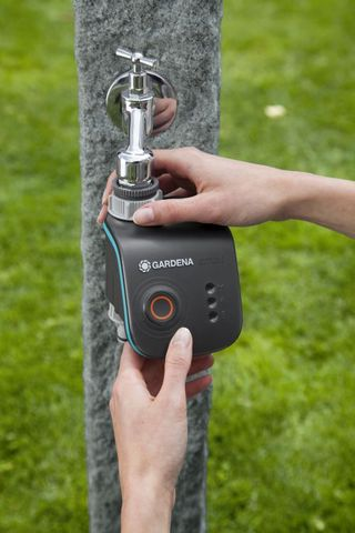 gardena-water-control-set-smart1.jpg