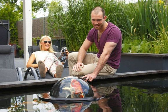 Velda Vijver Floating Fish Dome Sfeer
