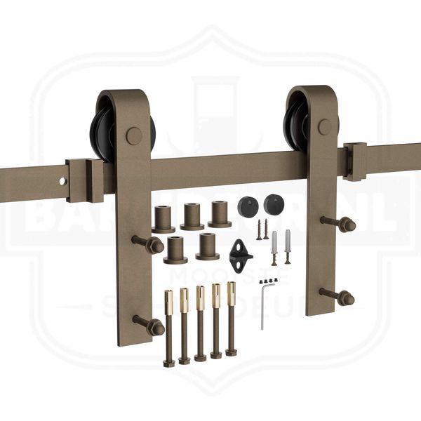 Roest-schuifdeurbeslag-Zelf-een-houten-schuifdeur-maken-met-roestkleurig-schuifdeursysteem.jpg
