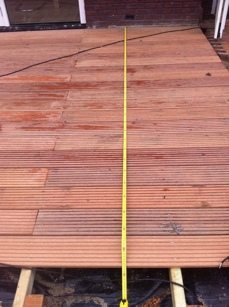 Houten terras aanleggen tips - Terras met houten pergolas ...