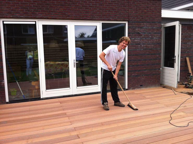 Houten terras aanleggen tips - Voorbeeld van houten pergola ...