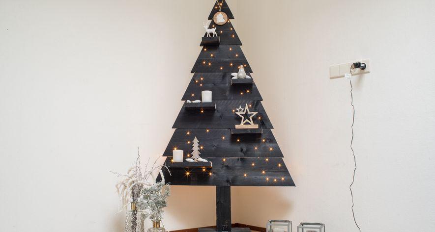 houten kerstboom zwart dicht met led verlichting 170 cm