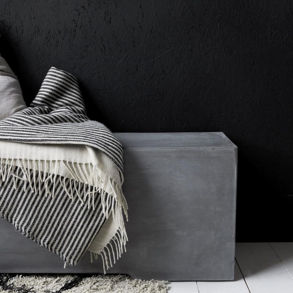 house doctor bank gallery beton look 130 x 30 x 38 cm meubelen verlichting. Black Bedroom Furniture Sets. Home Design Ideas