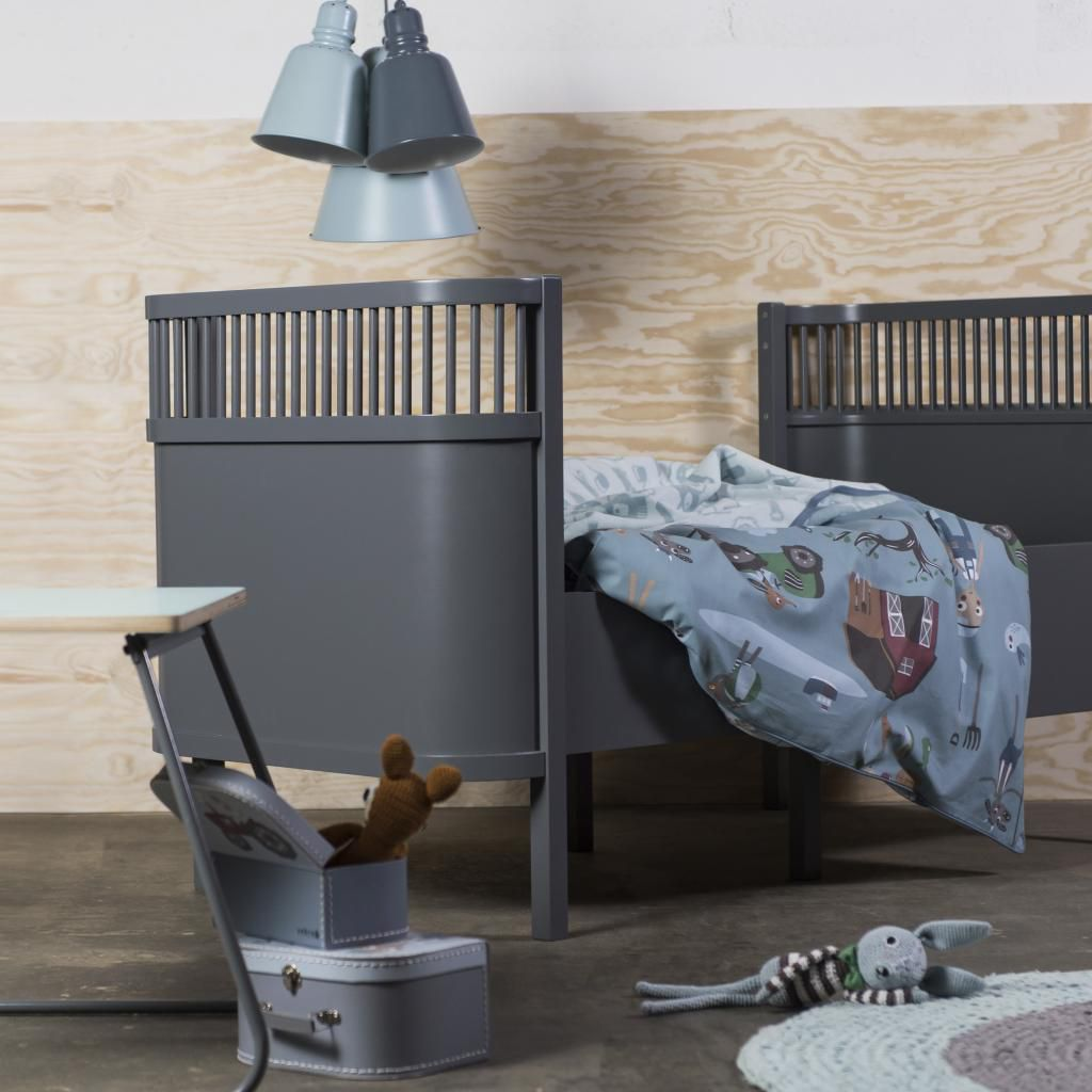 kili bett sebra mittwachsbett baby und junior dunkelgrau sebra kaufen. Black Bedroom Furniture Sets. Home Design Ideas