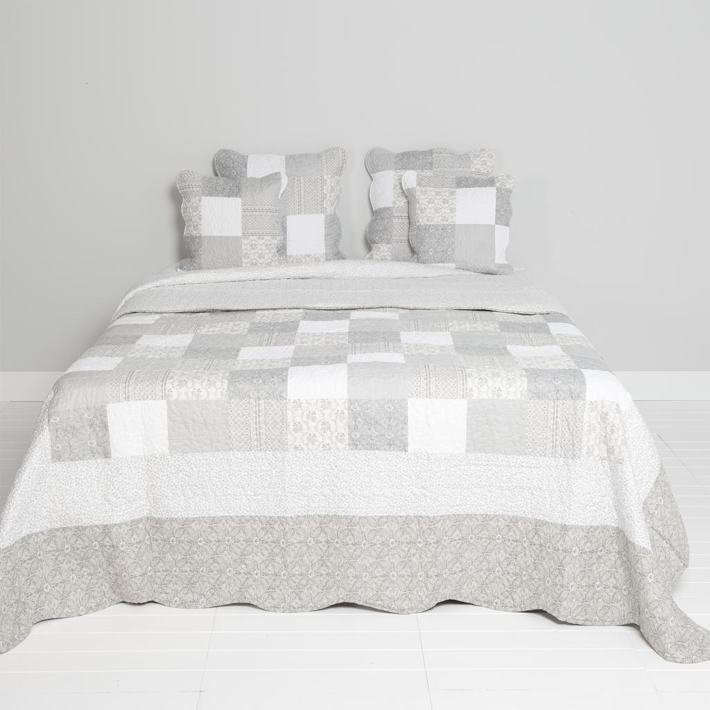 bedsprei grijs vakken 140x220cm katoen clayre eef. Black Bedroom Furniture Sets. Home Design Ideas