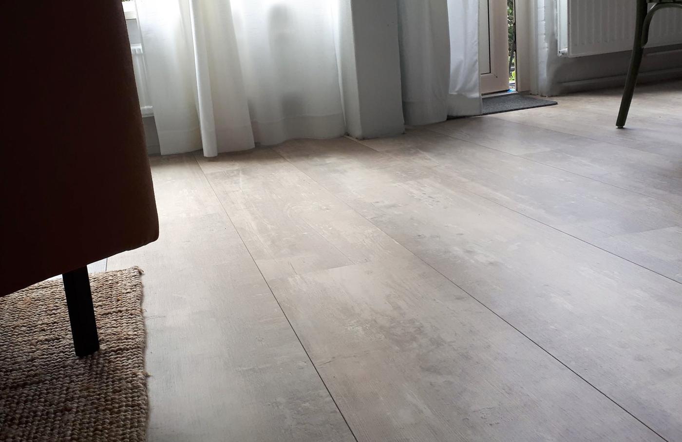 Floer landhuis laminaat vloer beton grijs eiken laminaatvloer