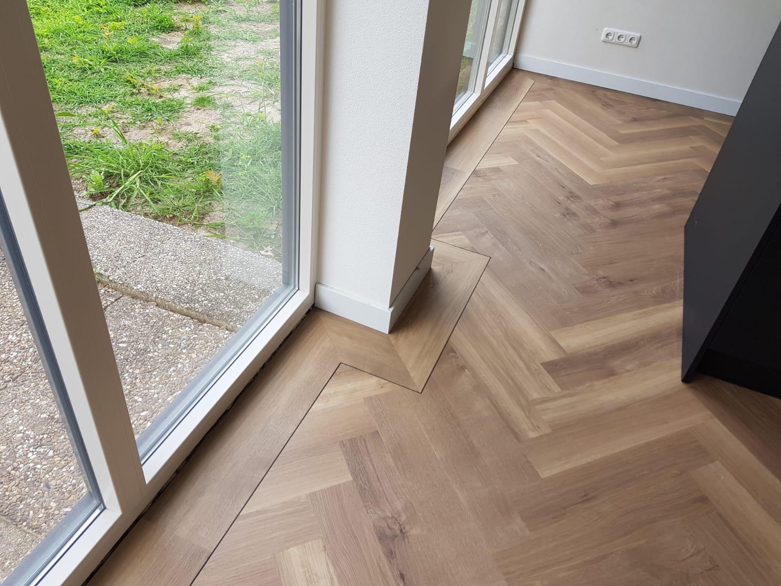 Pvc Vloer Visgraatmotief : Visgraat pvc laminaat of vinyl vloer een eyecatcher in huis