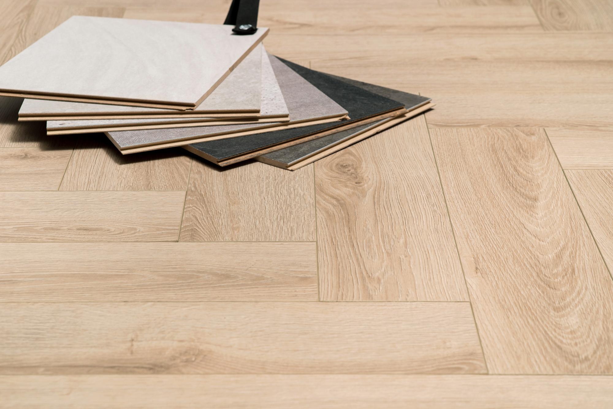 Laminaat Visgraat Leggen : Fesca visgraat laminaat natuur eiken vloer patroon eik ac 6