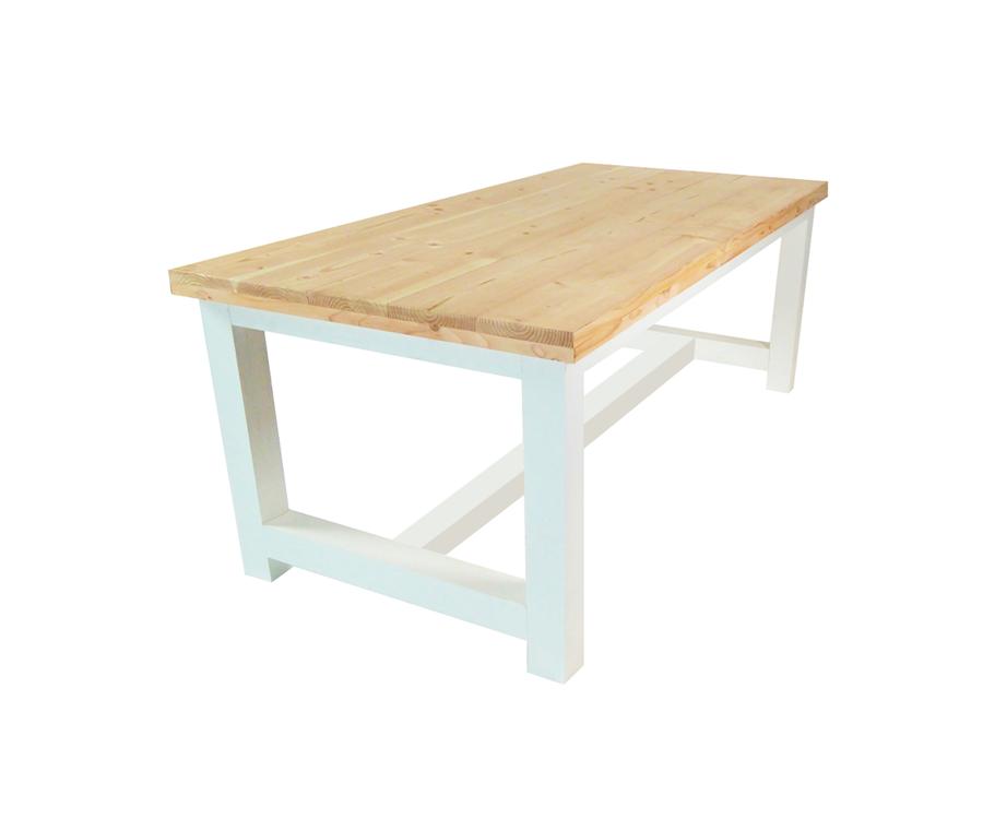 Kant en klare tuintafels van hout bestellen