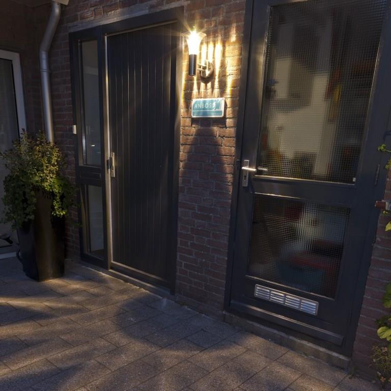 luxform_buitenlamp_reims1.jpg