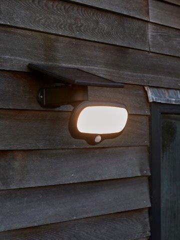 Intelligent Solar Montevideo 500LM Security Light