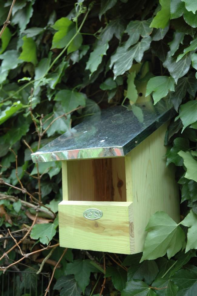 Esschert vogelhuis roodborst sfeer