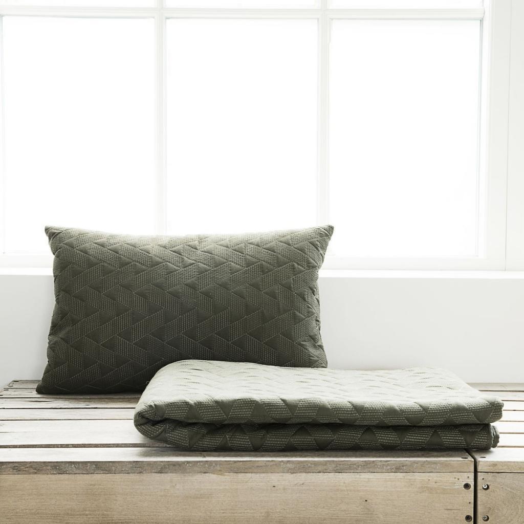 decke mih armeegr n 140x220cm 100 baumwolle house doctor kaufen. Black Bedroom Furniture Sets. Home Design Ideas