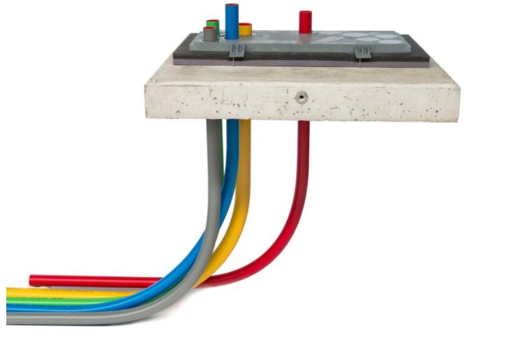 meterkast-vloerplaat-met-airseal-en-invoerbochten-in-de-meterkast