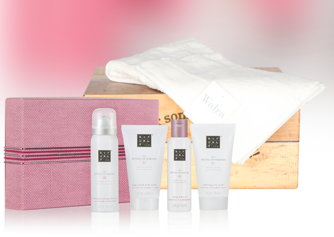 Rituals Sakura treat met baddoek wit