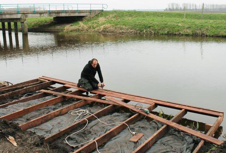 Schutting laten plaatsen bedrijf vlonder bouwen for Tuin aan laten leggen